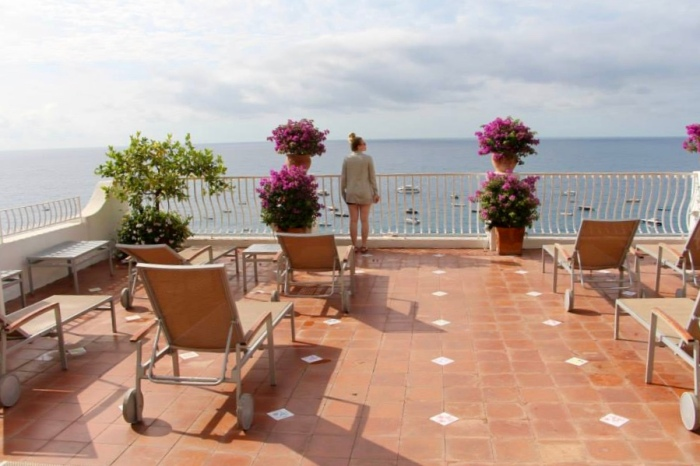 the sundeck at the hotel marincanto